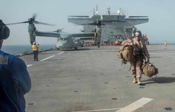 """""""بزنس إنسايدر"""" الأمريكي: قوة غربية ضخمة بانتظار إيران"""