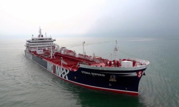 واشنطن: إيران تهدد الشحن البحري الأمريكي والدولي