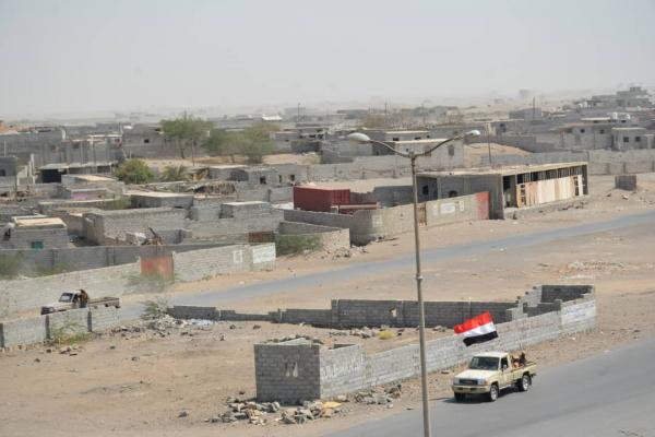 المليشيات الحوثية تشق خط إمداد حربي لمهاجمة منطقة استراتيجية جنوب الحديدة