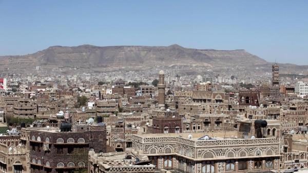 إصابة امرأة بشظايا قنبلة رماها شقيق زوجها إلى حوش منزلهم بالعاصمة صنعاء