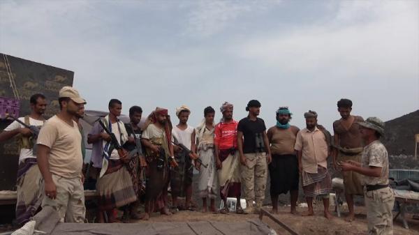 المقاومة الوطنية تقوم بزيارة تفقدية وتشارك خفر السواحل افراح العيد بجزيرة زقر