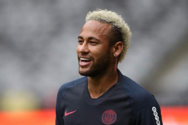 باريس سان جيرمان يرفض عرضي برشلونة وريال مدريد لضم نيمار