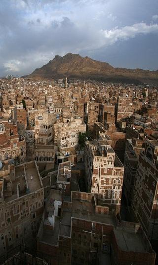 قيادي مؤتمري: أضحي بابني لتعود كرامة اليمنيين