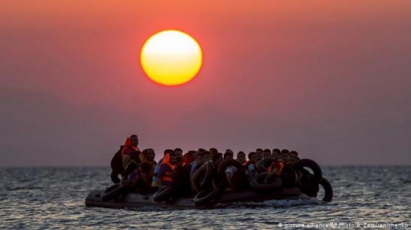 تواصل تدفق مئات المهاجرين من تركيا إلى اليونان