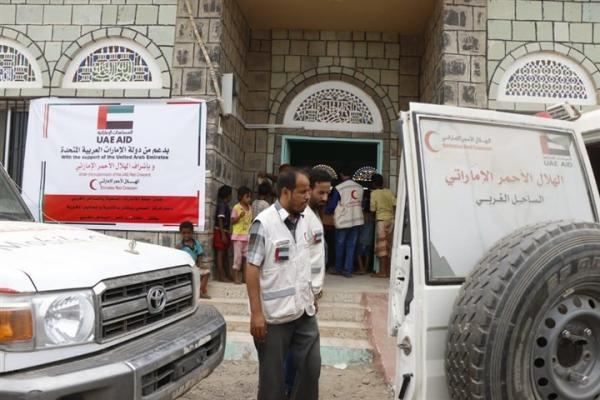 الهلال الإماراتي يسلم المركز الصحي في يختل أدوية ومحاليل استجابة لمكافحة حمى الضنك