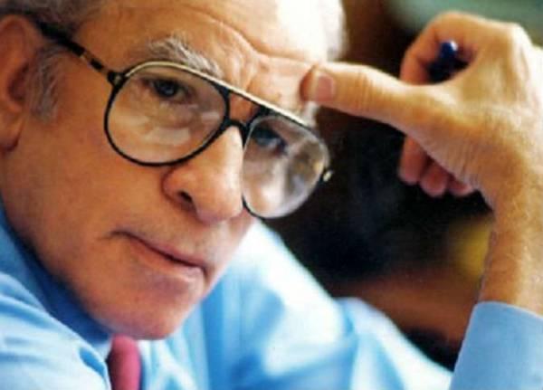 وفاة الكاتب المصري الساخر أحمد رجب عن عمر ناهز 86 عاما