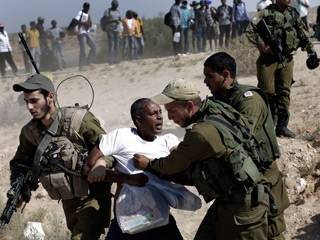 43 جندياً إسرائيلياً يرفضون الخدمة احتجاجاً على انتهاكات