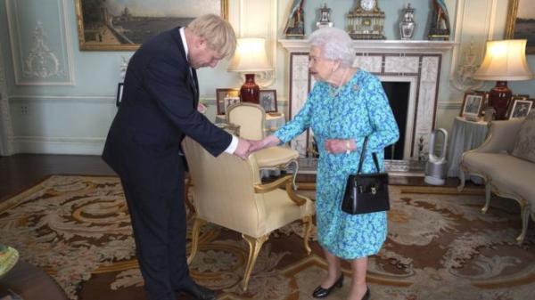 بريكست: بوريس جونسون ينفي أنه كذب على الملكة