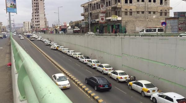 أزمة مشتقات نفطية تعصف من جديد بالعاصمة صنعاء