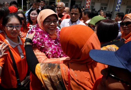 انتخاب زوجة يمني رئيسة لسنغافورة