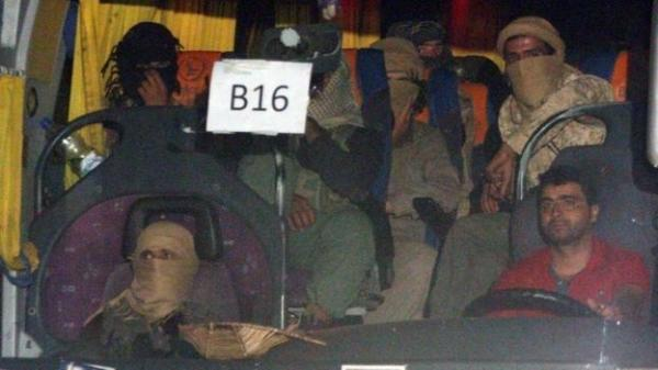 الغارديان: المئات من مسلحي داعش يبحثون عن مخرج من سوريا