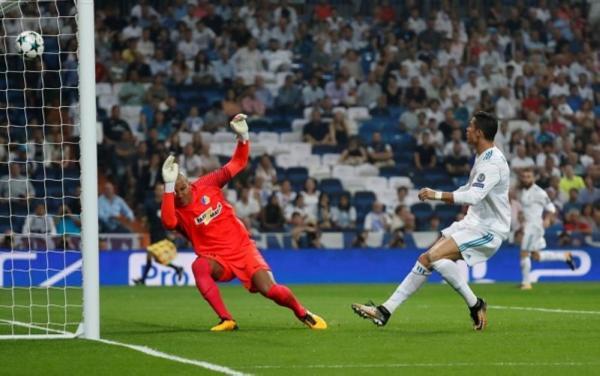 رونالدو يقود ريال حامل اللقب لفوز سهل على ابويل