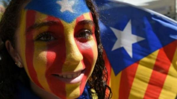 التحقيق مع أكثر من 700 عمدة كتالوني لدعمهم استفتاء الاستقلال