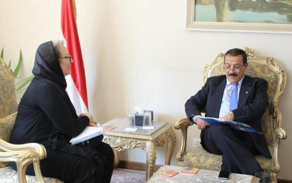 وزير الخارجية: اليمن ترحب بكافة الجهود الانسانية لتعزيز دور المرأة