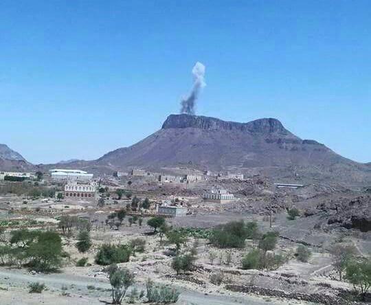 إصابة مواطنين وتدمير شبكة اتصالات في غارات على صنعاء وعمران