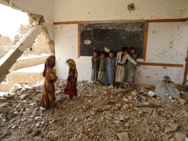 فاينانشال تايمز: مأساة اليمن تستدعي التدخل العالمي