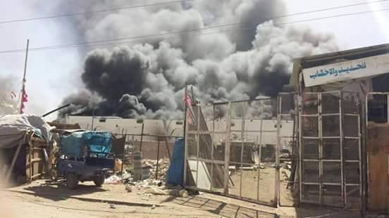 إصابات في غارات دمرت محطة وقود ومحال تجارية بحجة