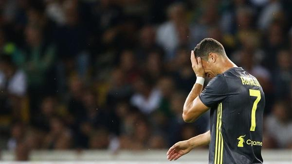 طرد رونالدو مهاجم يوفنتوس أمام بلنسية في دوري الأبطال