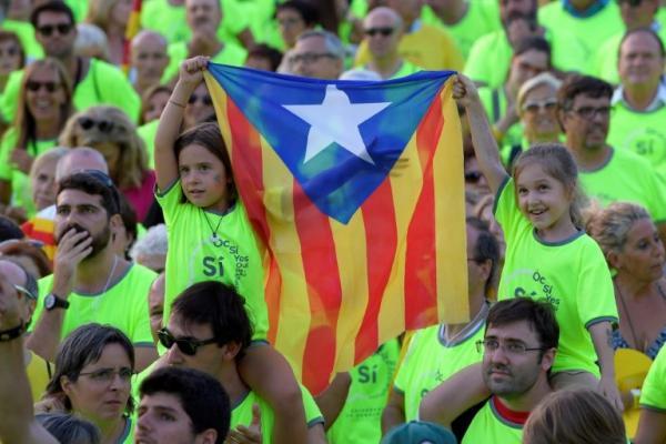 مدريد فرضت &#34حالة طوارىء&#34 بحكم الامر الواقع في كاتالونيا (رئيس الاقليم)