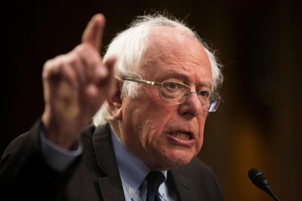 سناتور أمريكي: دعم الولايات المتحدة حرب السعودية ضد اليمن سينقلب علينا