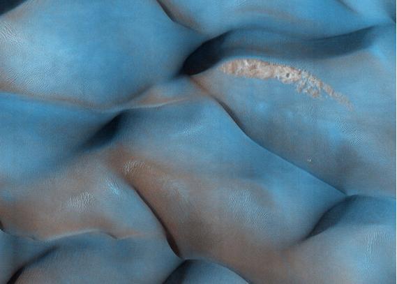لم تشاهدها من قبل.. صور مذهلة لسطح كوكب المريخ