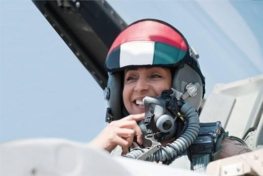 الاماراتية مريم المنصوري أول مقاتلة تشارك بضرب داعش