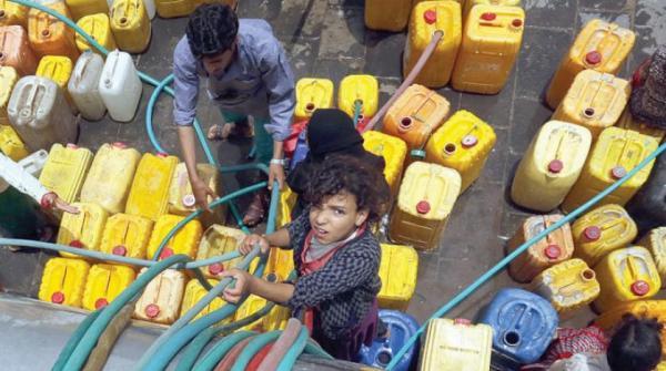 """أزمة مياه حادة بصنعاء فاقمها ارتفاع أسعار """"الوايتات"""""""