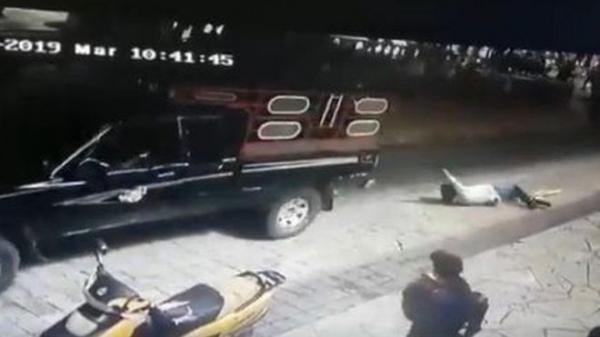 """في المكسيك: لم يلتزم العمدة بوعوده في """"حملته الانتخابية"""" فربطه السكان في شاحنة وسحلوه"""