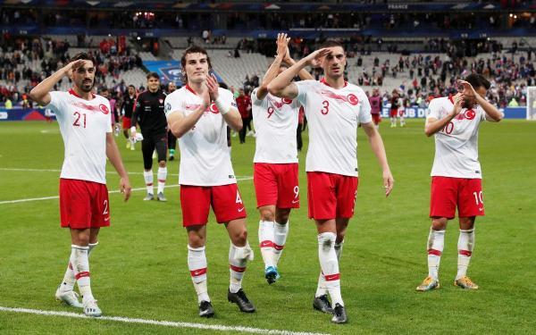 فرنسا تهدر التأهل المبكر لبطولة أوروبا بتعادلها مع تركيا
