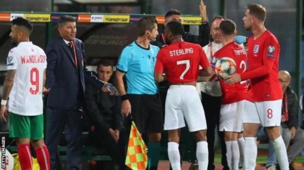 اعتقالات في بلغاريا بعد توجيه إساءات عنصرية للاعبين بمنتخب إنجلترا