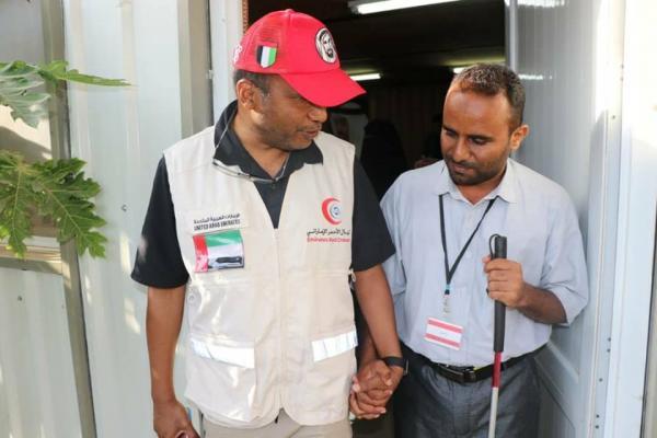 ممثل &#34الهلال الإماراتي&#34 يجتمع بمدير إدارة الجمعيات والاتحادات والتعاونيات بعدن