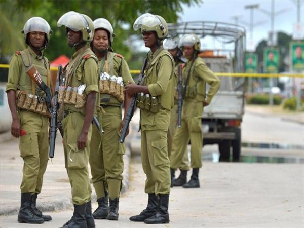 تنزانيا تعتقل 104 أشخاص بتهمة التخطيط لإقامة &#34معسكرات متطرفة&#34 في موزامبيق