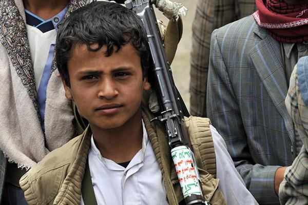 رئيس الأركان اليمنية: على المجتمع الدولي تحمل مسئولياته لإيقاف المليشيات عن تجنيد الأطفال