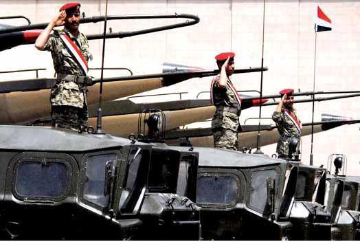 التحالف يدعو أعضاء المؤتمر الشعبي والحرس الجمهوري للتواصل مع القوات المشتركة لتأمين خروجهم من صنعاء