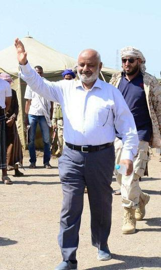 محافظ الحديدة لـ(خبر): الأمم المتحدة تنقذ الحوثيين وأدعو أبناء المدينة إلزام منازلهم أو التوجُّه للمناطق المحررة