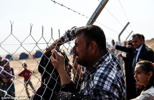 عائلات تلتقي بعد فراق قرب الموصل