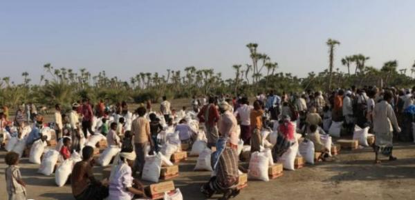 الإمارات تستهل مساعداتها الغذائية لشهر نوفمبر بـ40 طناً لـ800 أسرة في الساحل الغربي
