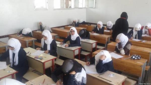 صنعاء.. موظفو التعليم الفني وإدارة الاختبارات بالوزارة ينفذون إضراباً مفتوحاً