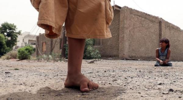 استشهاد وإصابة ثلاثة أطفال بانفجار لغم حوثي بنهم صنعاء