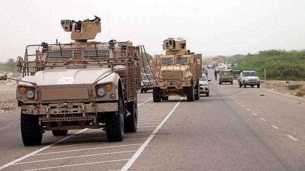 """الحديدة: """"المشتركة"""" تدمر مخزن أسلحة للحوثيين وتحبط هجوماً واسعاً بحيس وعشرات القتلى والجرحى"""