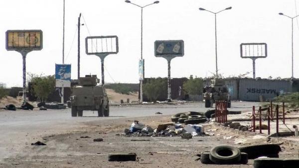 مليشيا الحوثي تكلف عدداً من أفرادها لإدارة معركة الحديدة وتنسف اتفاق السويد (أسماء)