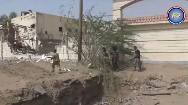 فيديو- معارك تطهير عديد شوارع وأحياء بمدينة الحديدة