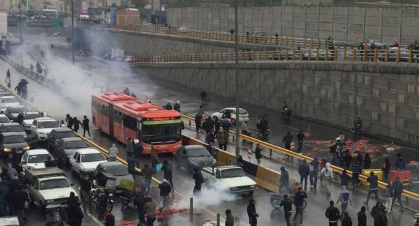"""واشنطن تندد باستخدام """"القوة المميتة"""" ضد المتظاهرين في إيران"""