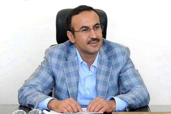 السفير أحمد علي عبدالله صالح يُعزي بوفاة الشيخ العماد