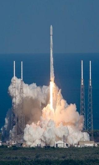 """سيظل في الفضاء لـ15 عاما.. مصر تطلق """"طيبة 1"""" أول قمر اصطناعي للاتصالات"""