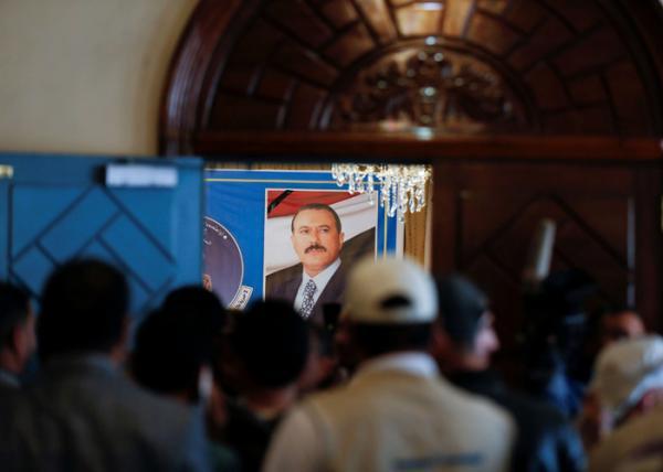 الغارديان: اغتيال صالح زعزع استقرار هيكل قيادة الحوثي
