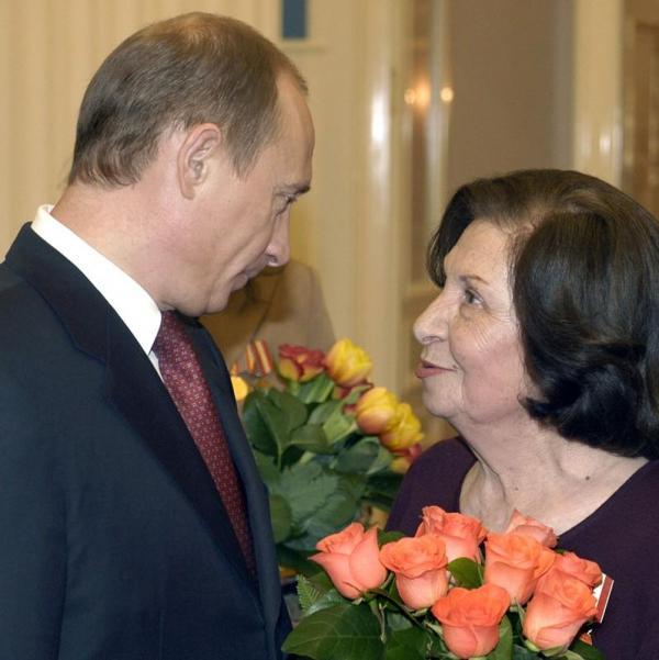 الكرملين يثني على جاسوسة سوفيتية راحلة يقول إنها ربما غيرت التاريخ