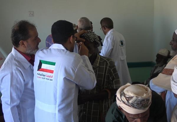 506 حالات في أول أيام المخيم الطبي المجاني لأمراض العيون بالخوخة