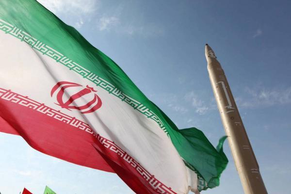 صحيفة فرنسية: ما الذي تريده إيران من نقل صواريخها البالستية إلى قلب اليمن؟
