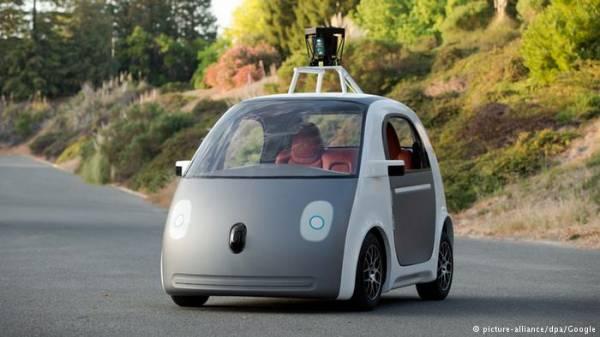 """سيارة تقود نفسها من إنتاج """"غوغل"""""""